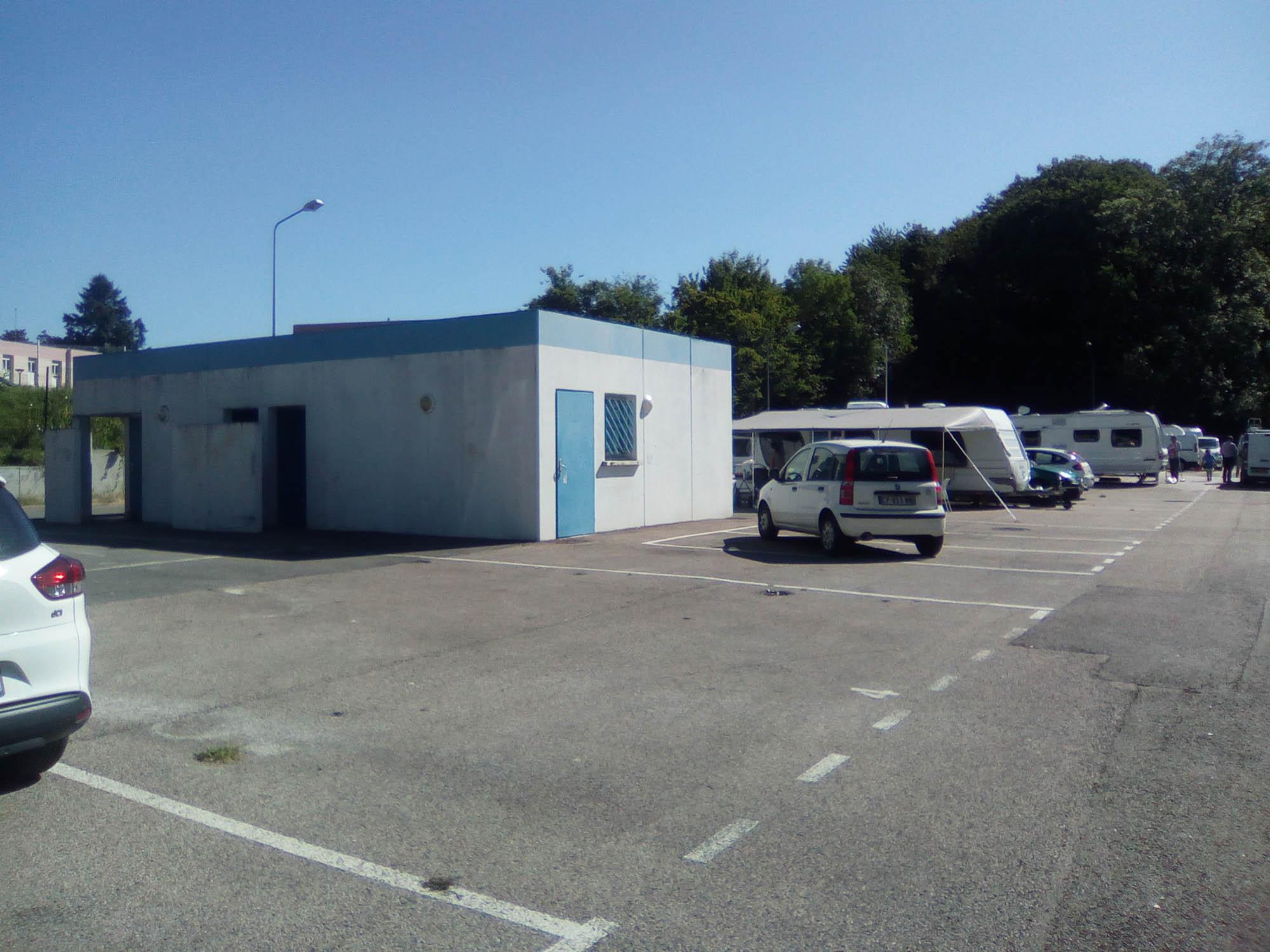 Photographie du local d'accueil de l'aire d'accueil du Grand Belfort