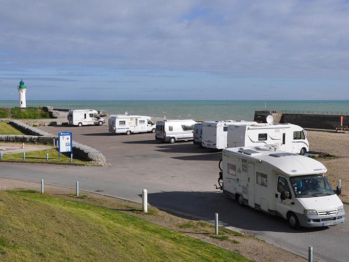Accueil des usagers des aires de camping-cars
